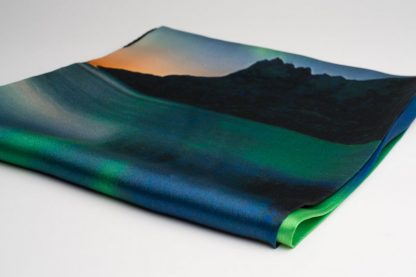 Silkeskjerf med nordlyset / Silk scarf with northern lights