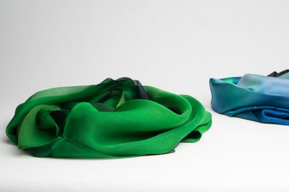 Chiffon silkeskjerf med nordlysmotiv / Chiffon silk scarf with northern lights
